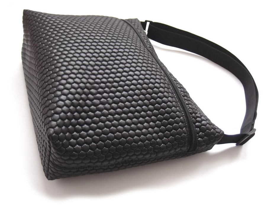 kliknutít zobrazíte maximální velikost obrázku Black Comb táska babakocsira
