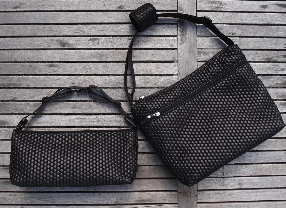 kliknutít zobrazíte maximální velikost obrázku  Black Comb rendező táska babakocsira - NAGY